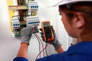 Comment faire des réparations électriques?