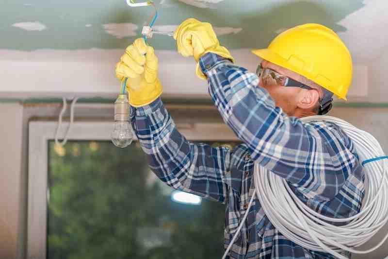 Comment devenir un bon ingénieur électricien?