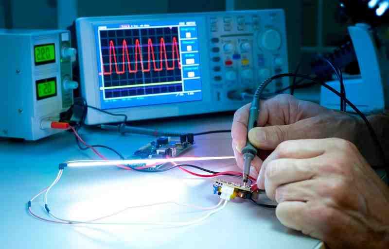 Quel est le rôle d'un electrotechnicien ?