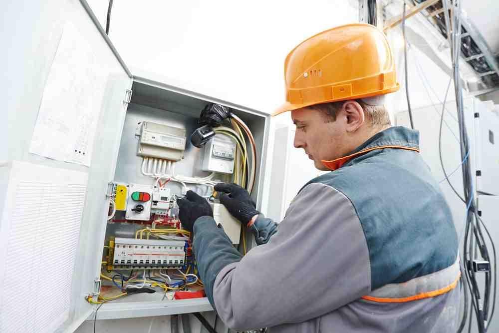 Quel est le salaire d'un electrotechnicien ?