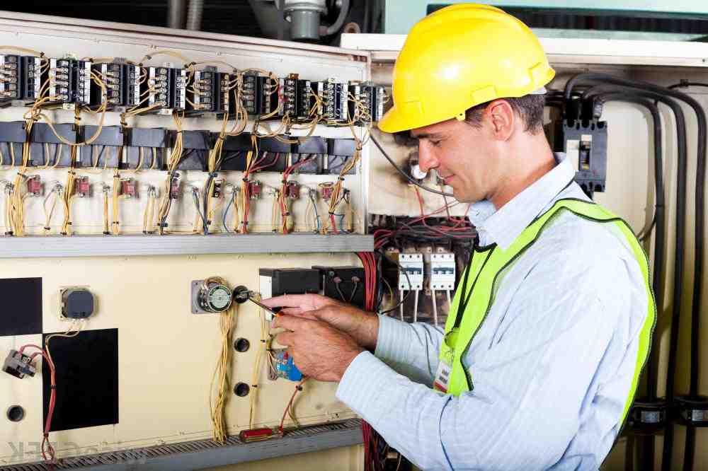 Comment devenir électricien au Québec ?